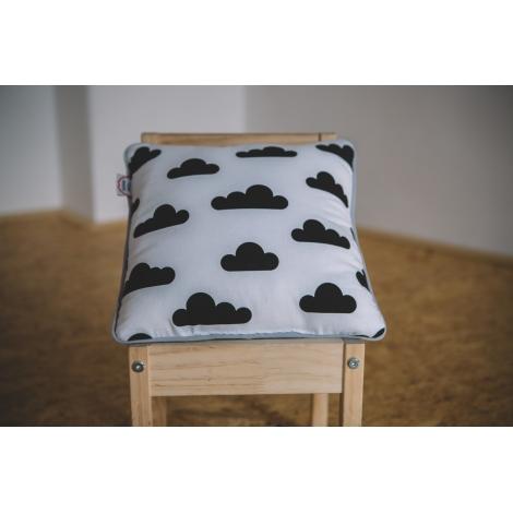 VIGVAM DESIGN Polštář Clouds bílý s černými mraky, šedý lem